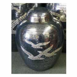 Pet Urns by HTW - Urns for pets, dogs, cats, loss, death, jewelry, ashes, retail, wholesale, minnesota, united states, vet clinic, veterinarian, family pets, Going Home Pet Urn